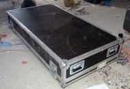 Large sound / video flightcase 143cm x 87cm x 43cm