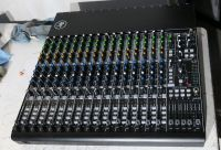 Mackie 1604 vlz4 16cahnnel sound mixer with box