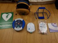 heartsine smaritan pad defibrillator SAM 500p with child and adult,