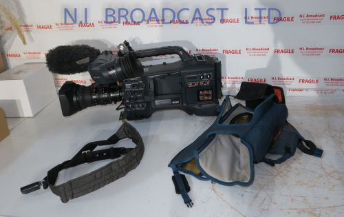 Panasonic HPX301E P2HD HD camcorder with HD colour viewfinder with XT17 x 4.5 high definition wide anlge lens